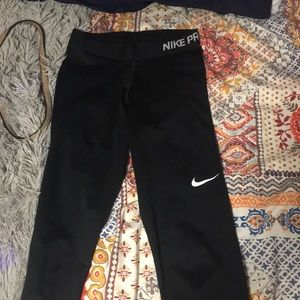 black nike pro cropped leggings